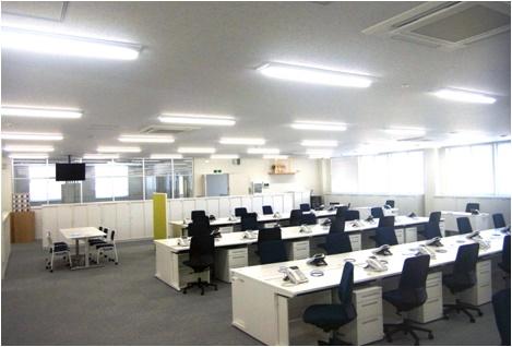 事業所新築に伴うオフィスレイアウト設計と什器導入